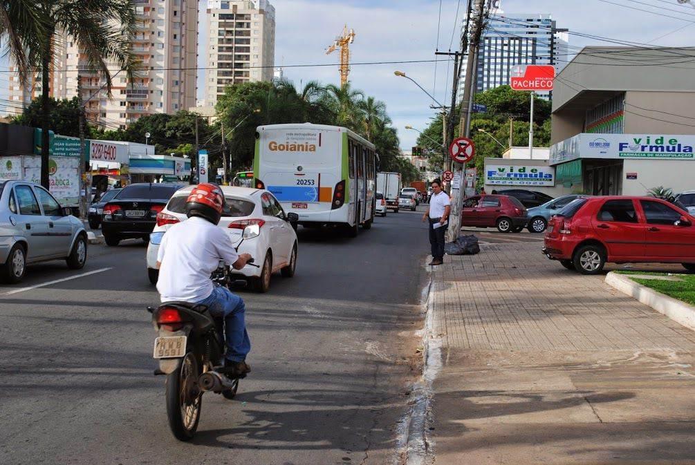 Ônibus terão via preferencial na Avenida T-7, em Goiânia | Foto: Folha Z