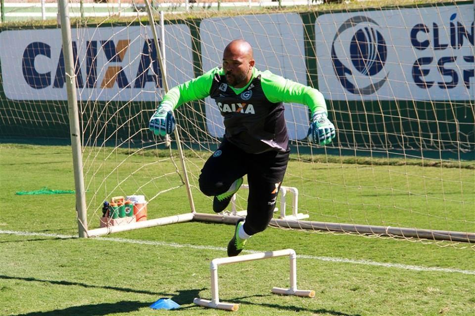 Goleiro Márcio, 36 anos, assume função de gestor de futebol do Goiás | Foto: Rosiron Alves/Goiás EC