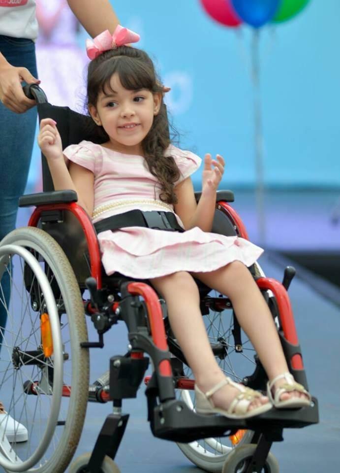 Juju tem 5 anos e precisa de cirurgia que custa R$ 120 mil | Foto: Reprodução/Facebook
