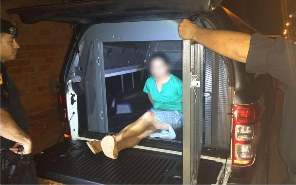 Mulher espanca filho de 7 anos para obrigar pai a buscá-lo e acaba presa pela Rotam em Sen. Canedo   Foto: Divulgação/Rotam