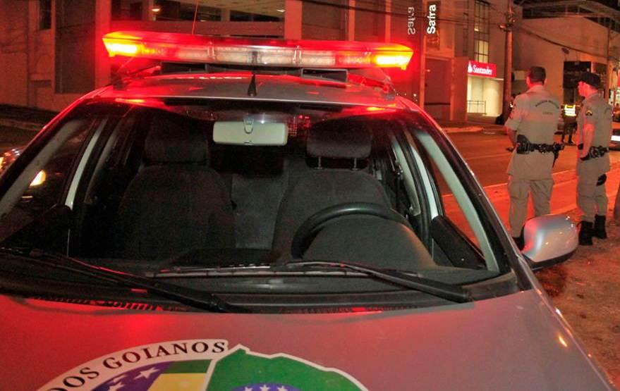PM foi acionada após vizinhos notarem a presença dos criminosos no Setor Coimbra | Foto: Divulgação / PM
