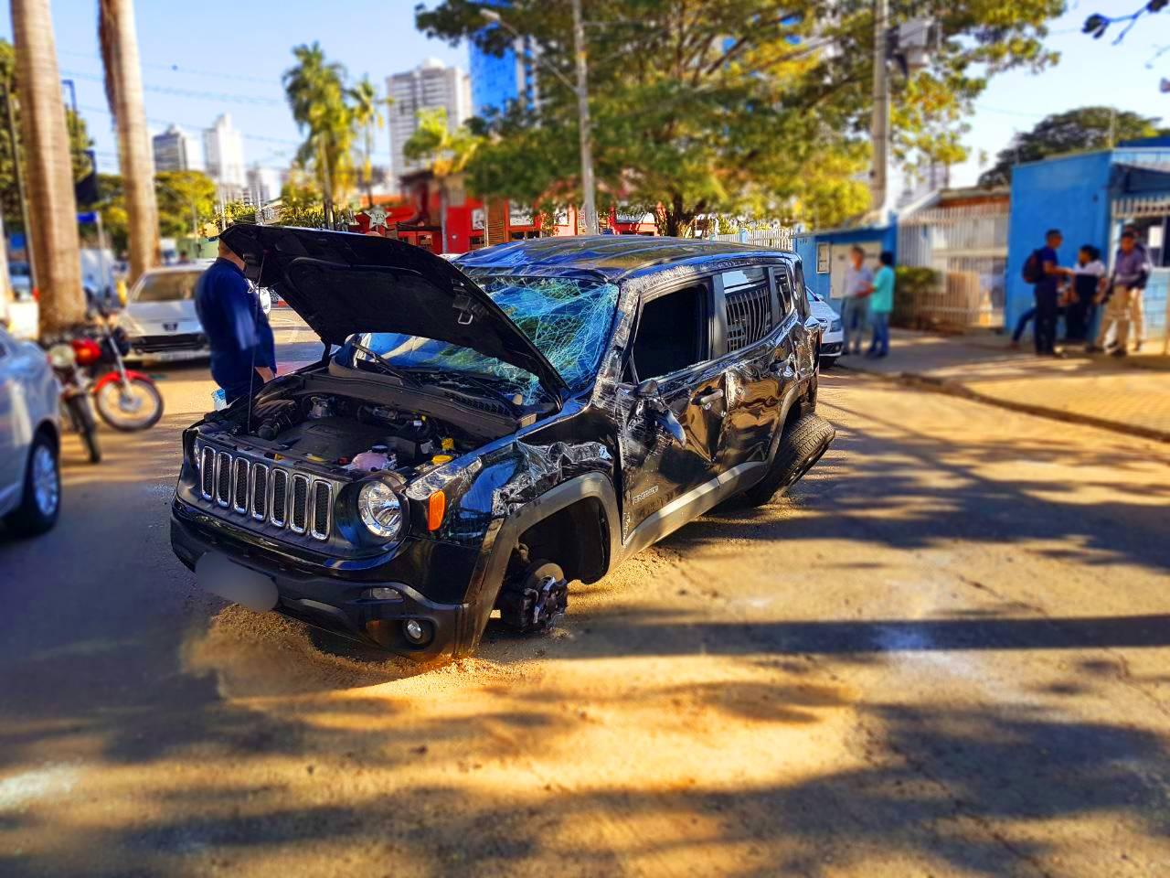 Em caso de acidente, motorista, passageiro ou pedestre podem pedir indenização do DPVAT   Foto: Folha Z
