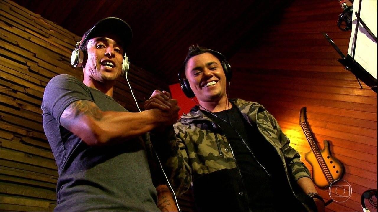 Jadson e Felipe Araújo cantaram paródia em comemoração ao título corinthiano | Foto: Reprodução/ TV