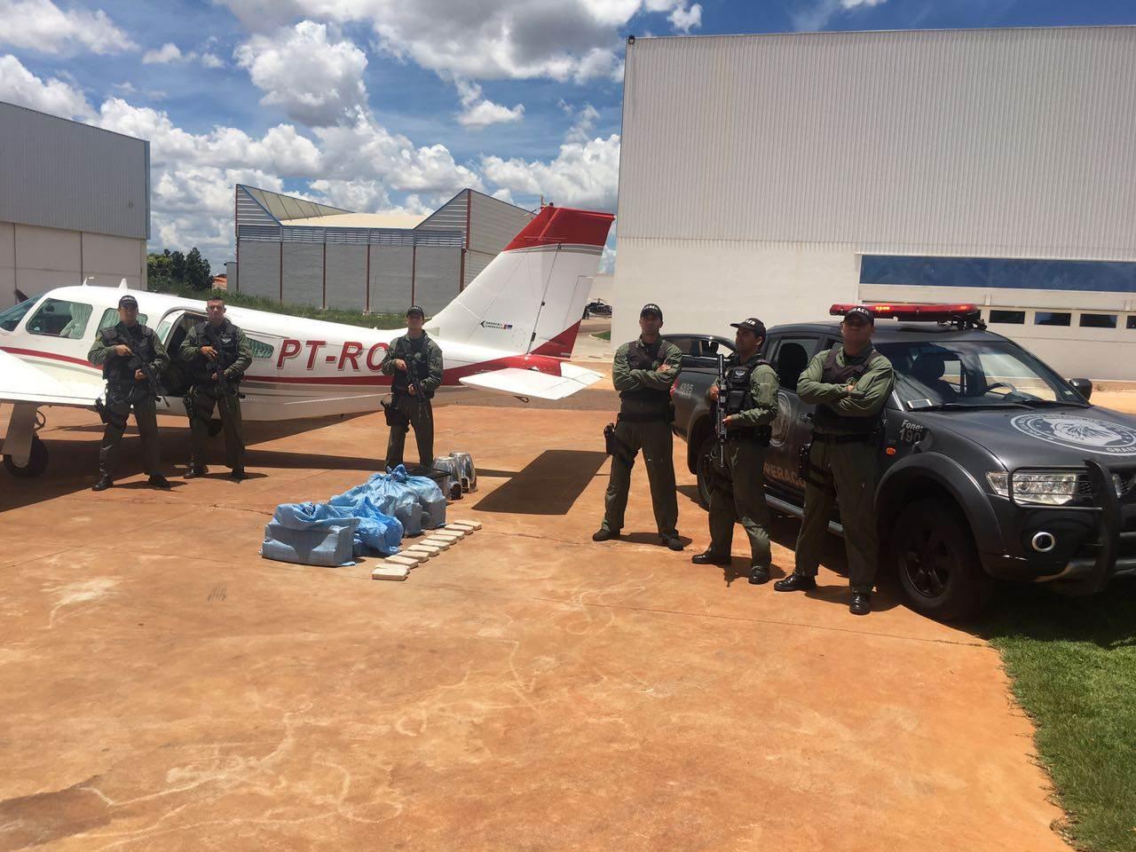 GRAer localizou droga dentro de avião em Goiânia | Foto: Divulgação/PM