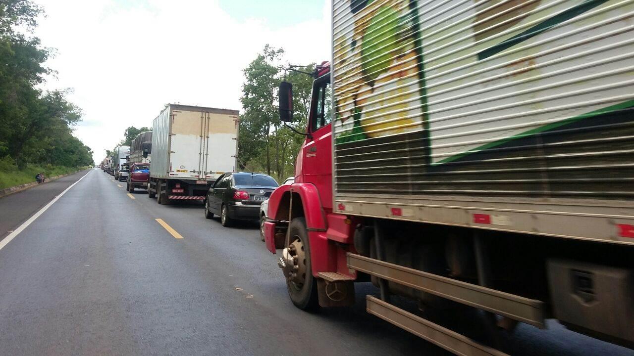 Acidente deixou 4 km de engarrafamento na BR-020 | Foto: PRF
