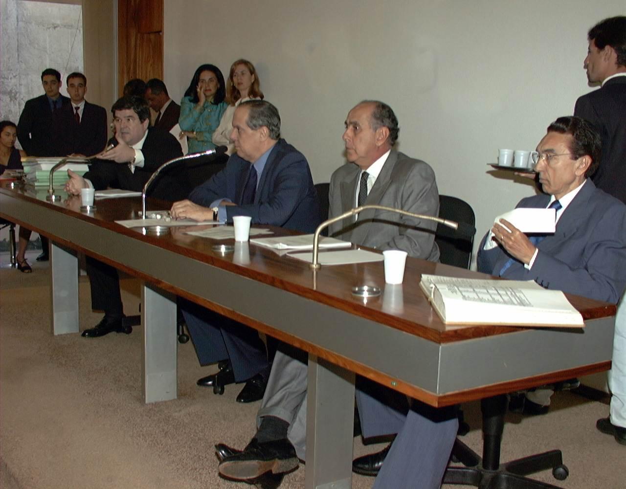 Senadores Sérgio Machado, Pedro Piva, Mauro Miranda e Edson Lobão na Comissão de Assuntos Econômic (CAE) | Foto: Reprodução