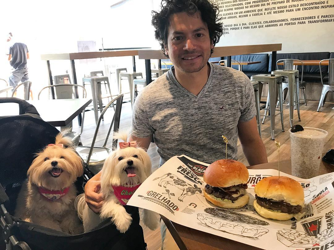 Sanduíche e menu canino são destaque em nova hamburgueria em Goiânia | Foto: @chanelecharlotte/ Instagram