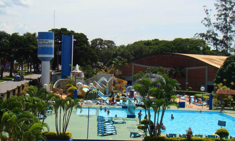 Clubes em Goiânia são opção para o verão. Clube dos Bancários, por exemplo, conta com parque aquático infantil, equipado com toboágua e brinquedos diversos | Foto: Divulgação