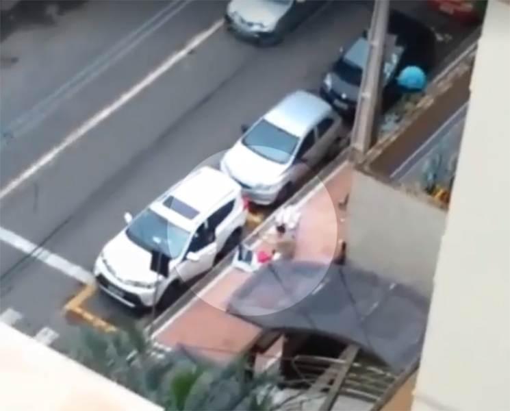 Vizinho flagra momento em que PM frustra tentativa de assalto em Goiânia | Foto: Reprodução