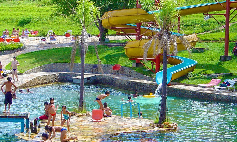 Goiânia Park tem um excelente parque aquático com várias piscinas para adultos e crianças, tobogãs e até escorregador gigante | Foto: Divulgação