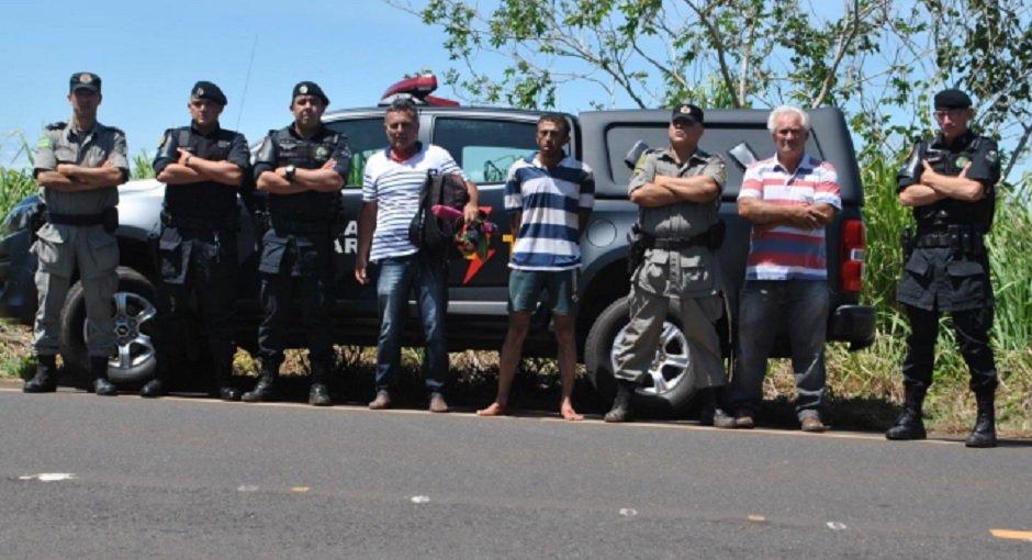 Prisão dos suspeitos foi efetuada um dia após o crime   Foto: Divulgação/ PM
