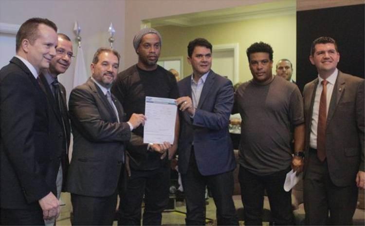 Ronaldinho Gaúcho e seu irmão agora são filiados ao PRB | Foto: Reprodução