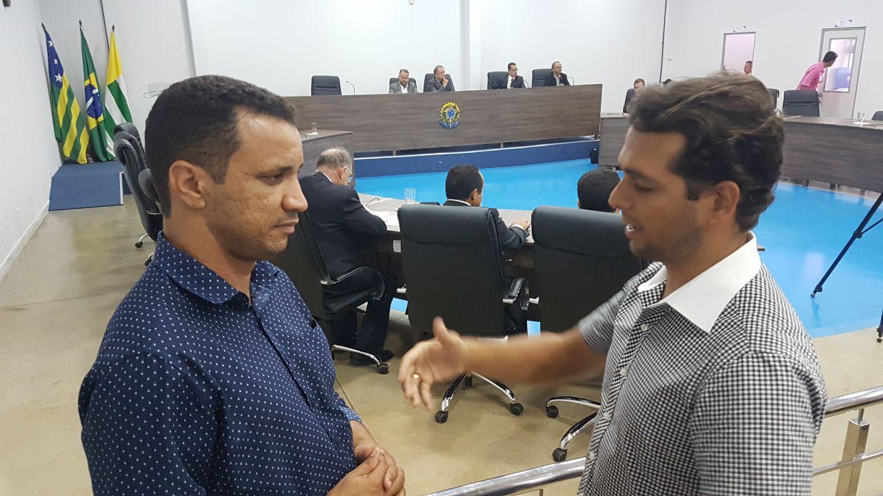 Suplente de vereador Daniel Rodrigues (PCdoB) fala ao jornalista Guilherme Coelho | Foto: Folha Z