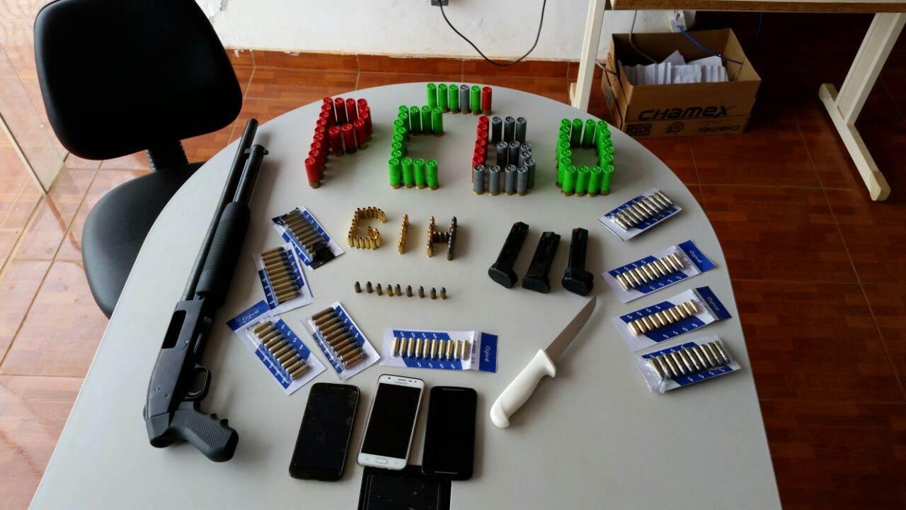 Estudante de veterinária é preso com armas e 240 munições em Luziânia  | Foto: Divulgação/ Polícia Civil
