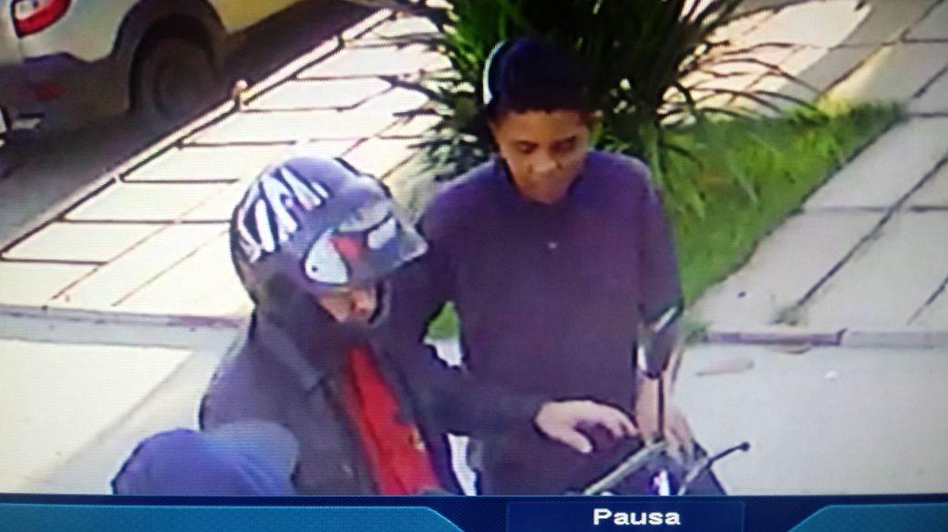 Assaltantes foram identificado como clientes do bar pela vítima | Foto: Reprodução/ Vigilância