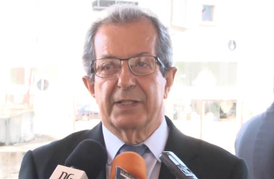 """""""queremos entregar estas obras em 45 dias"""", afirma secretário de Infraestrutura Dolzonan Mattos."""