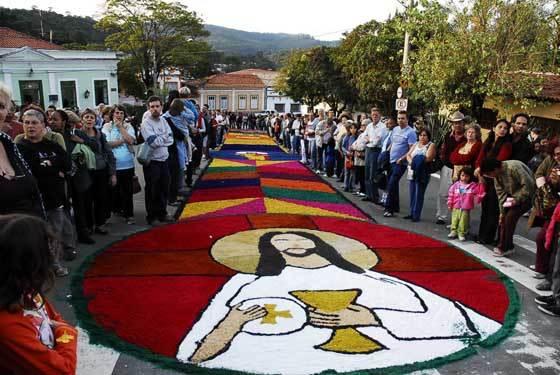 Procissão de Corpus Christ em feriado do dia 31 de maio   Foto: Reprodução