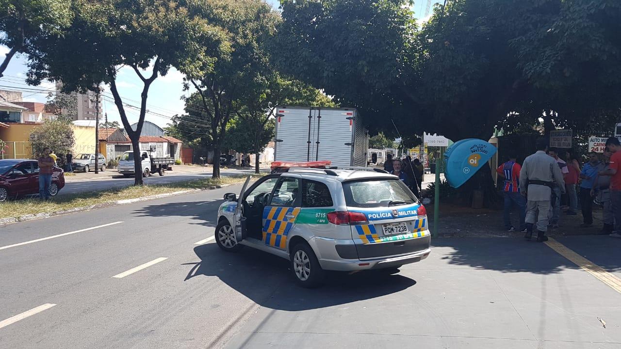 Polícia Militar e Corpo de Bombeiros foram acionados para atender à ocorrência | Foto: Guilherme Coelho/Folha Z