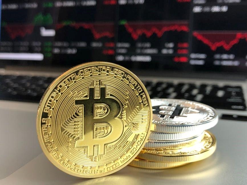 A volatilidade do bitcoin lhe transforma em uma aposta para investidores de perfil mais agressivo | Foto: Pexels