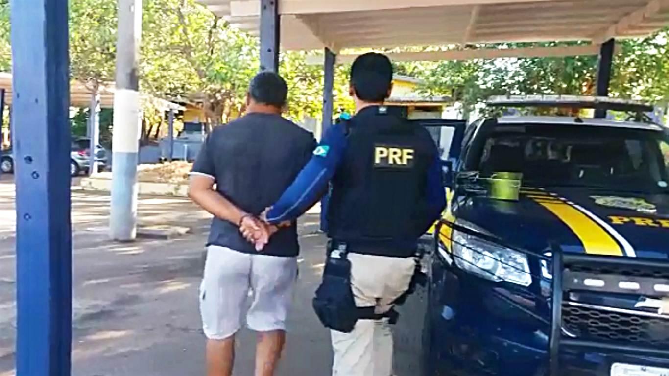Homem de 59 anos foi denunciado por cobrar uma espécie de pedágio clandestino na BR 153   Foto: Divulgação/PRF