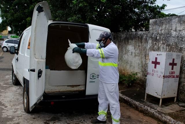 Se o cachorro morreu em Goiânia, a Comurg disponibliza serviço para recolhimento. Outros animais também não coletados | Foto: Divulgação