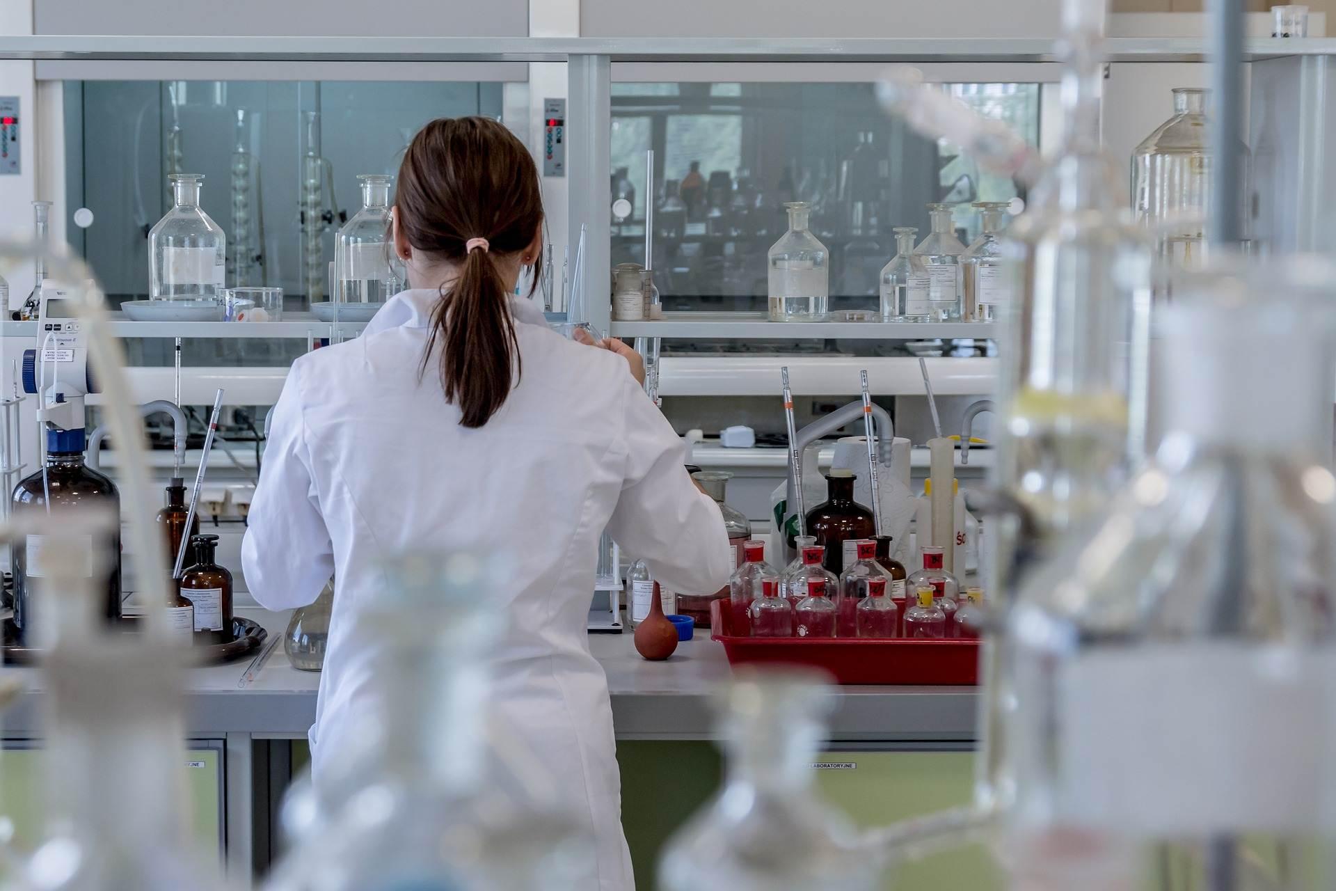 Carga horária em uma Faculdade de Farmácia é de 4.000 horas | Foto: Pixabay