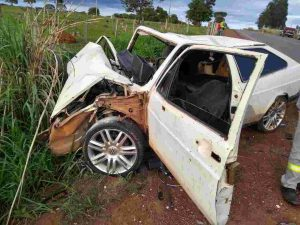 GO-219: Mulher morre e criança fica ferida em acidente entre Guapó e Aragoiânia   Foto: Reprodução