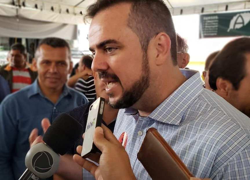 Prefeito Gustavo Mendanha (MDB)   Foto: Folha Z