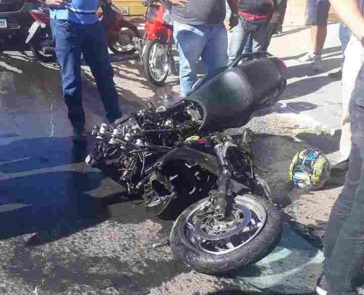 Acidente grave Aparecida carro moto