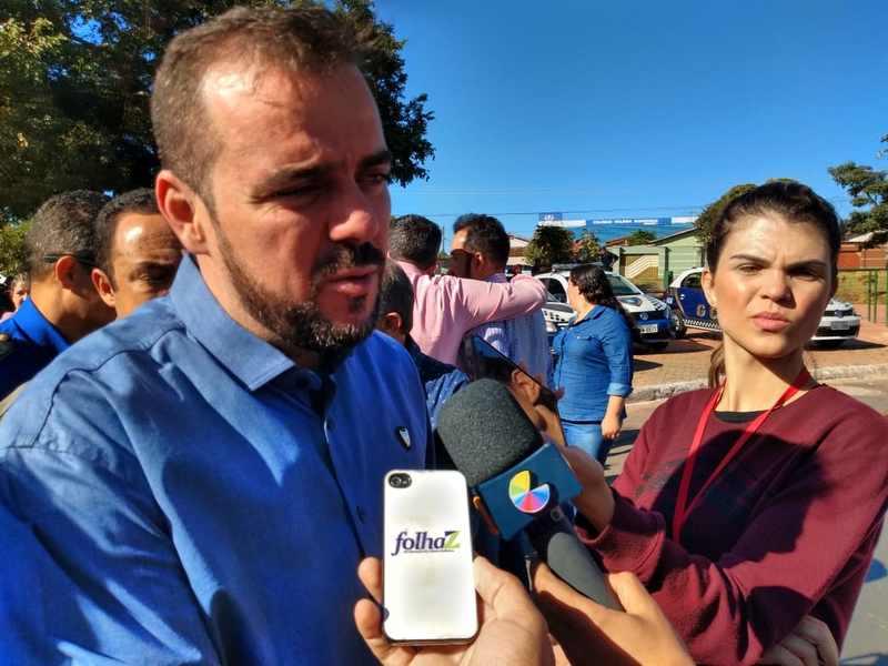 Com inflamação de garganta, prefeito Gustavo Mendanha fala durante solenidade de entrega de 15 novas viaturas para a GCM de Aparecida   Foto: Folha Z