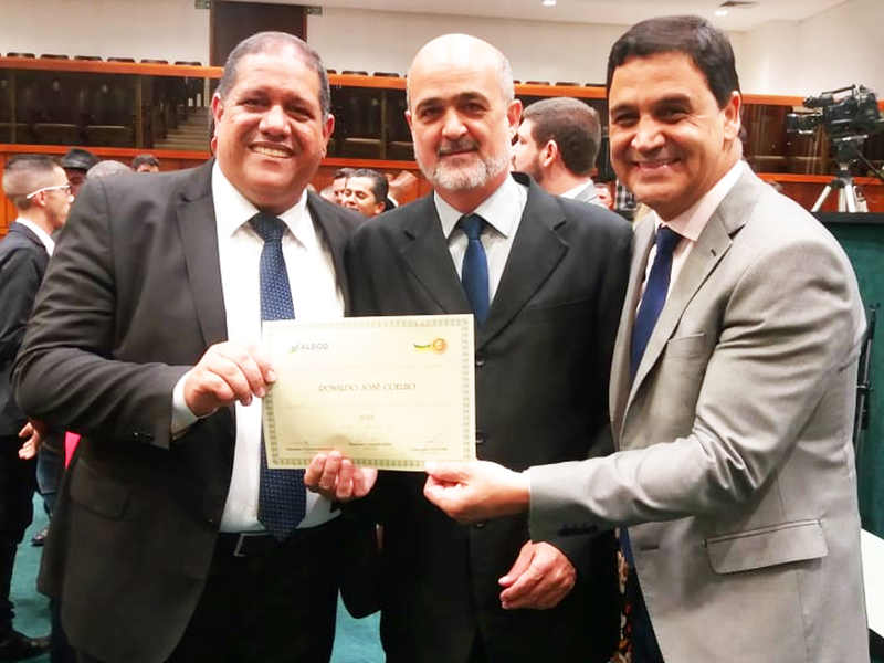 Ex-secretário de Comunicação de Aparecida e atualmente assessor do deputado federal Professor Alcides, Ronaldo José Coelho, também foi homenageado | Foto: Divulgação