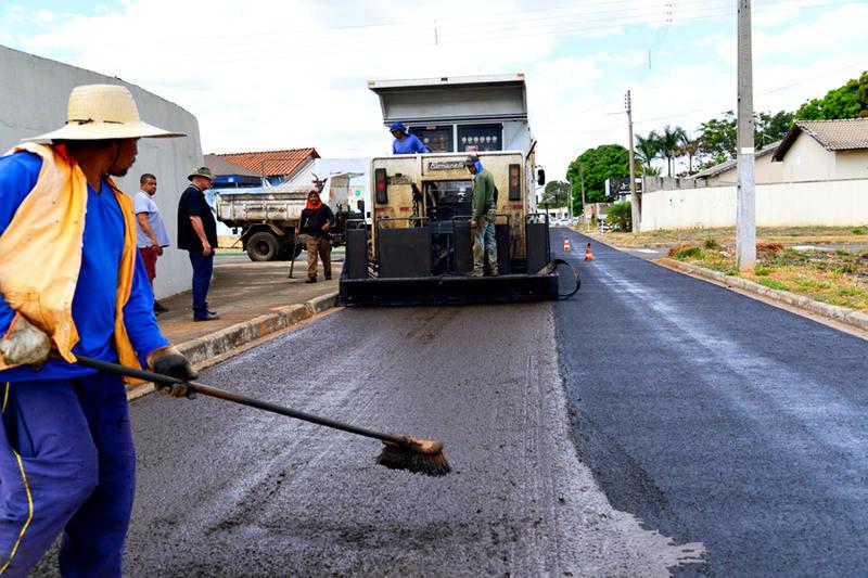 Licitação prevê asfalto em mais bairros de Aparecida | Foto: Claudivino Antunes