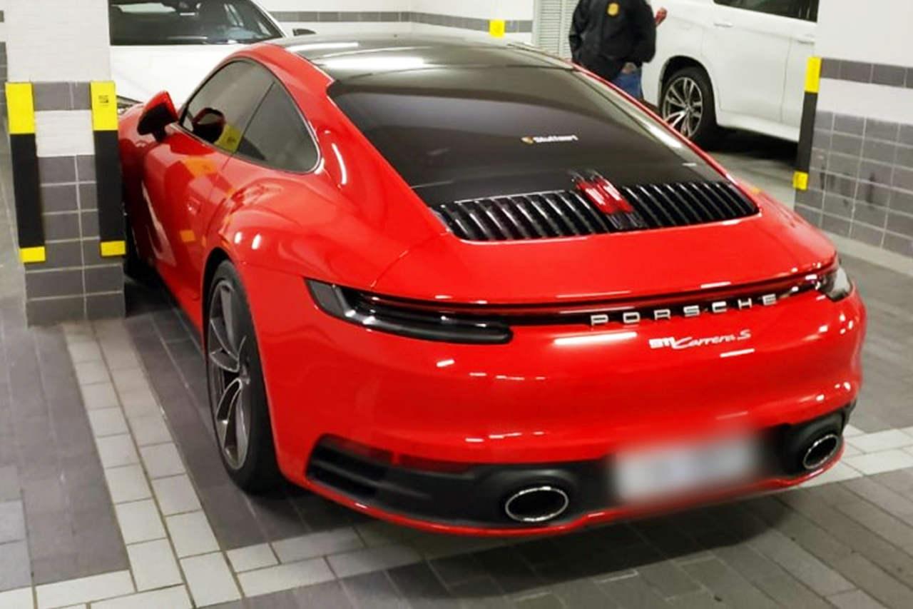 Força-tarefa apreendeu documentos, obras de arte, relógios de luxo, dinheiro e 17 veículos, entre ele um Porsche e BMW   Foto: Divulgação / PC