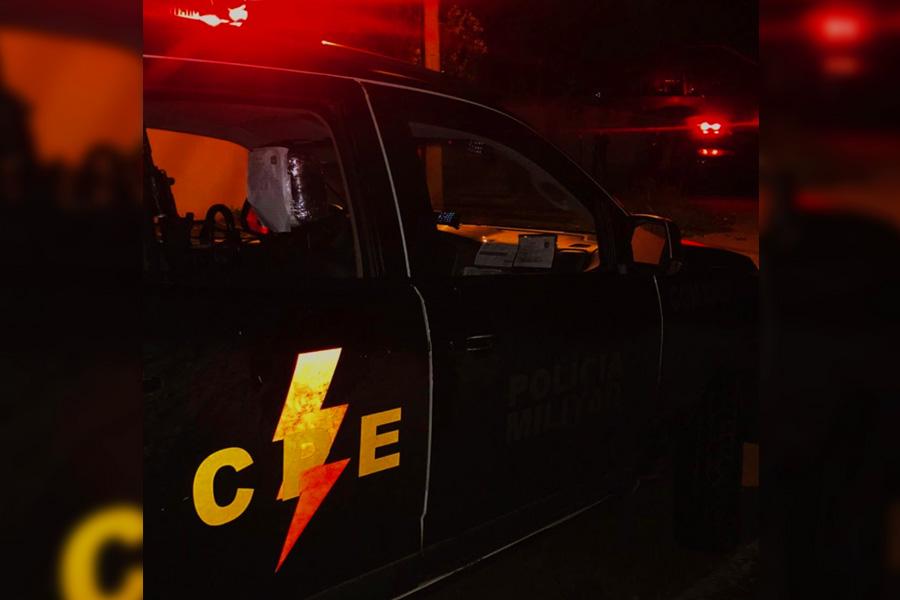 Homem morre em troca de tiros  Foto: Divulgação / CPE