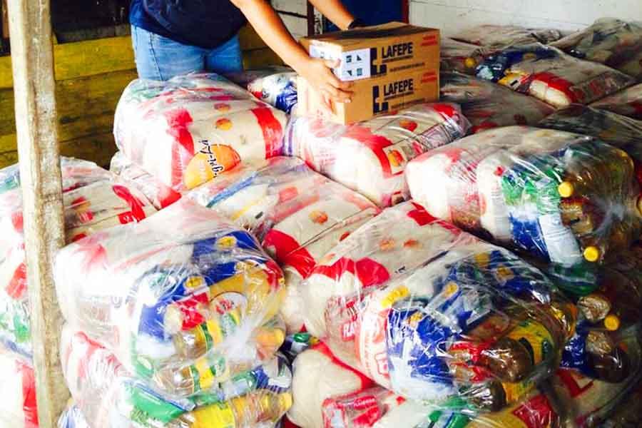Doação de cesta básica | Foto: Defesa Civil Amazonas
