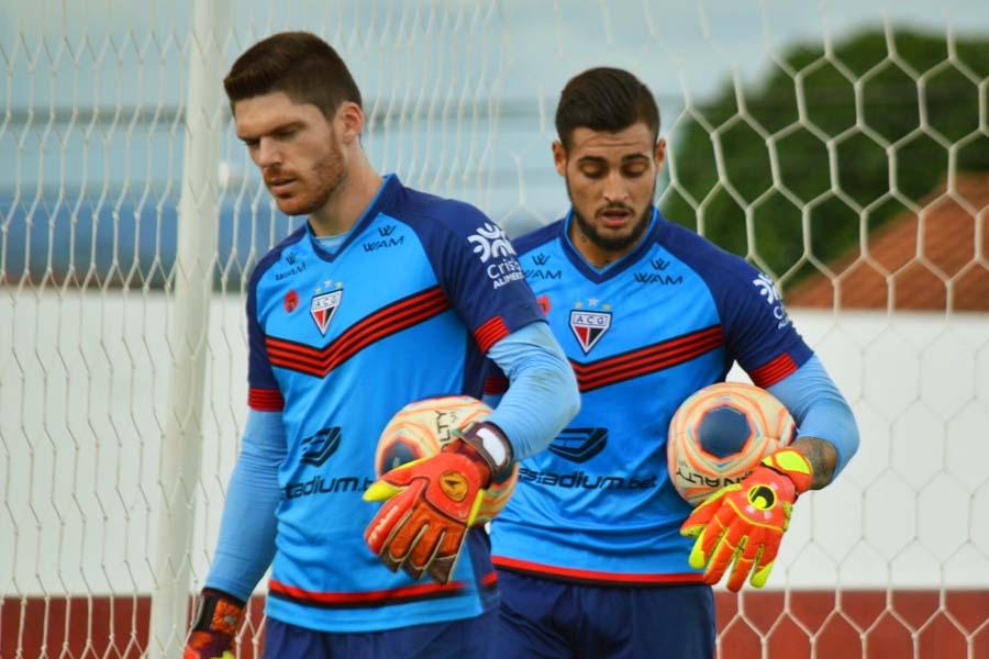 Goleiro Kozlinski desabafou sobre situação envolvendo Jean em entrevista após o jogo contra o Santa Cruz-PE | Foto: Paulo Marcos/ACG