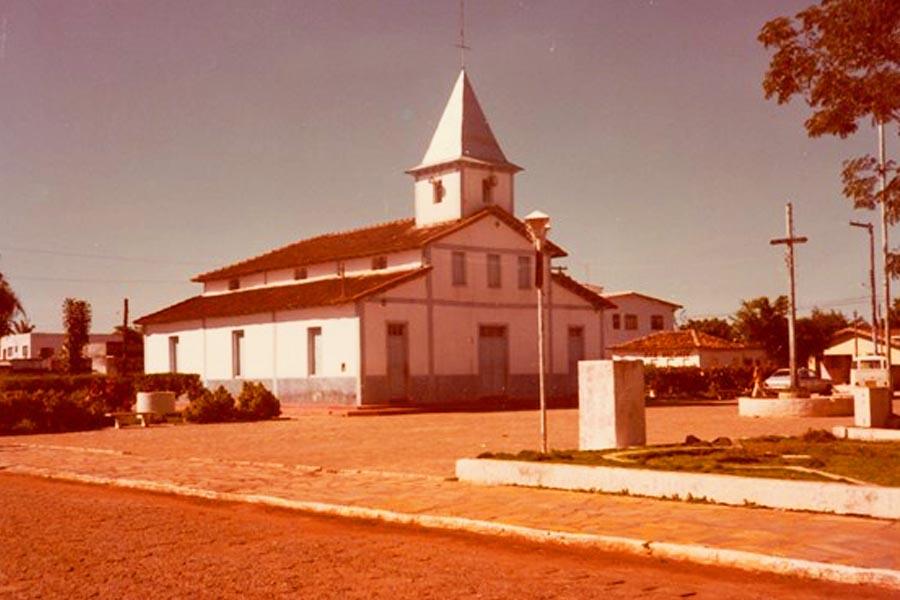 Paróquia Nossa Senhora Aparecida - 1983   Foto: IBGE