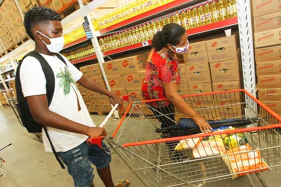 Governo libera duas parcelas do Auxílio Alimentação nesta 3ª feira (30)   Foto: Elói Corrêa/GOVBA