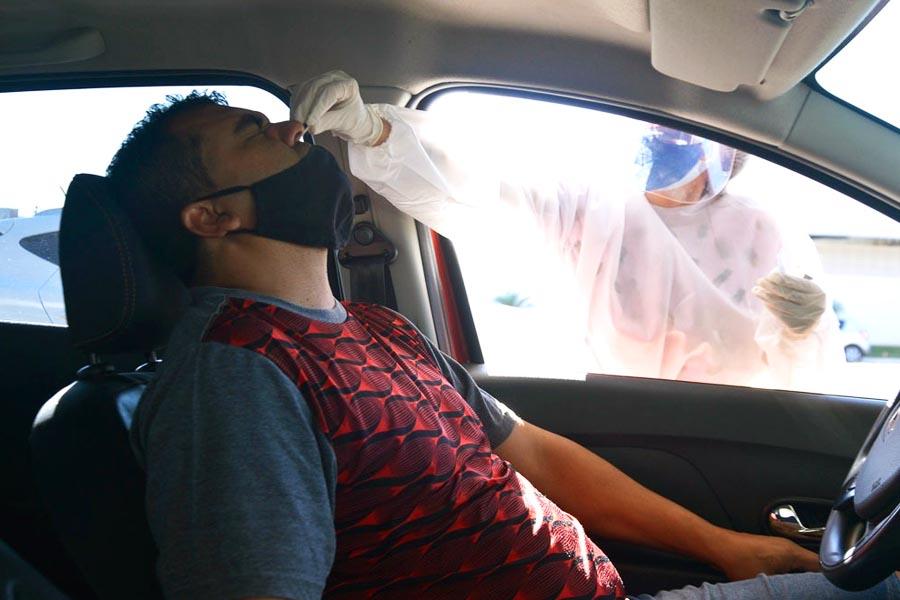 Drive thru de testagem detecta casos de covid-19 em Aparecida | Foto: Claudivino Antunes