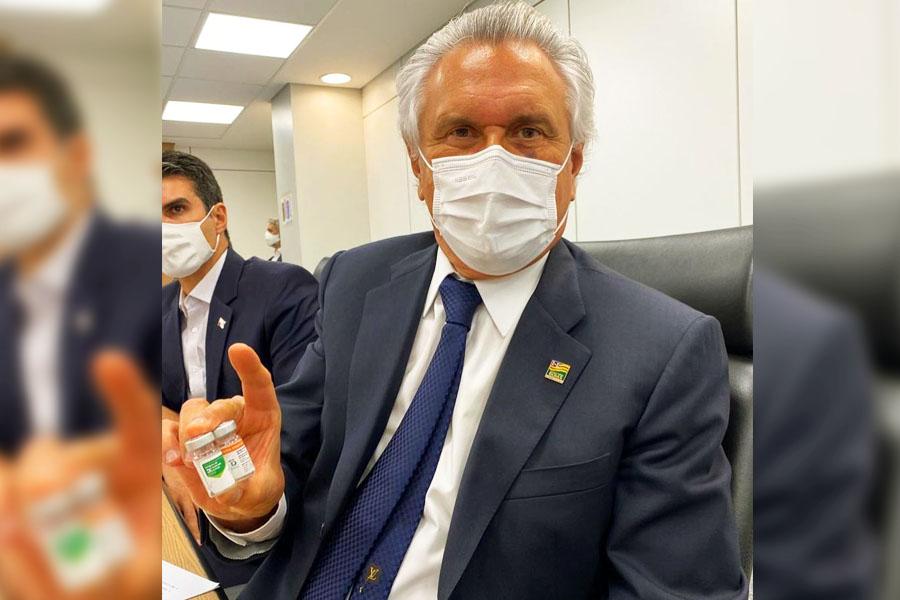 'Apresento a vocês a Vacina Butantan-Sinovac contra a covid-19', escreveu o governador Ronaldo Caiado nas redes sociais | Foto: Reprodução