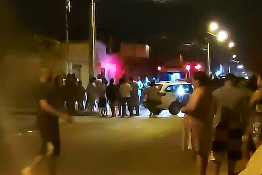 Ocorrência no Jd. Tiradentes terminou com 2 homens assassinados | Foto: Leitor/FZ