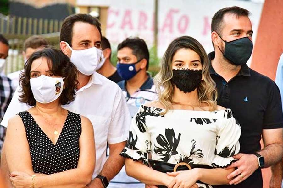 Kassy Ane e o marido, Veter Martins, ao lado de Mayara e Gustavo Mendanha | Foto: Divulgação