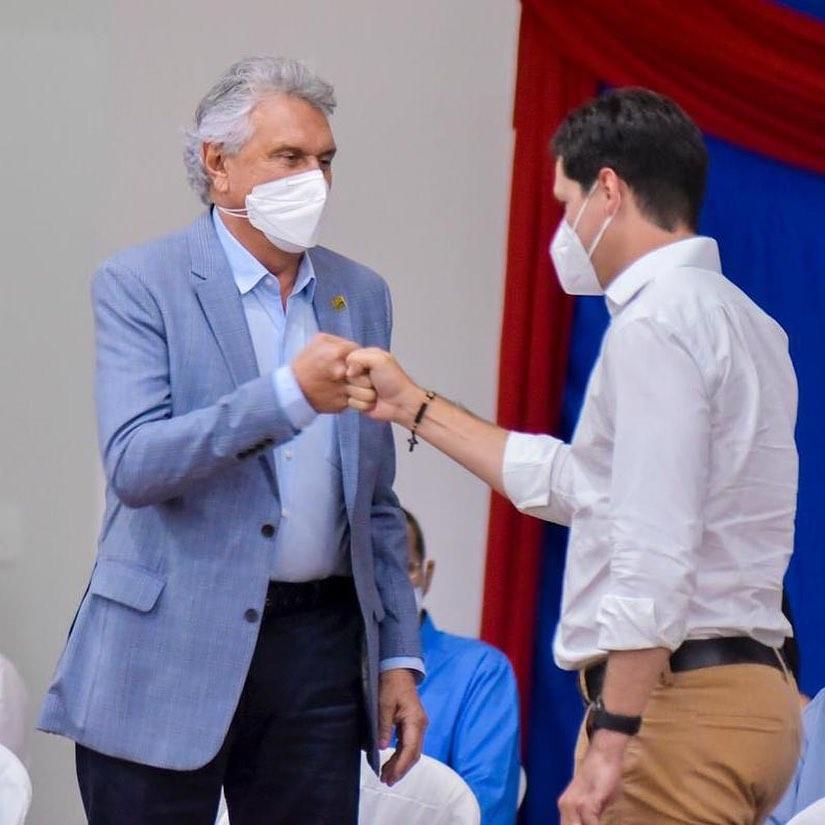 Ronaldo Caiado e Daniel Vilela na inauguração do Centro de Convenções Maguito Vilela, em Aruanã   Foto: Divulgação