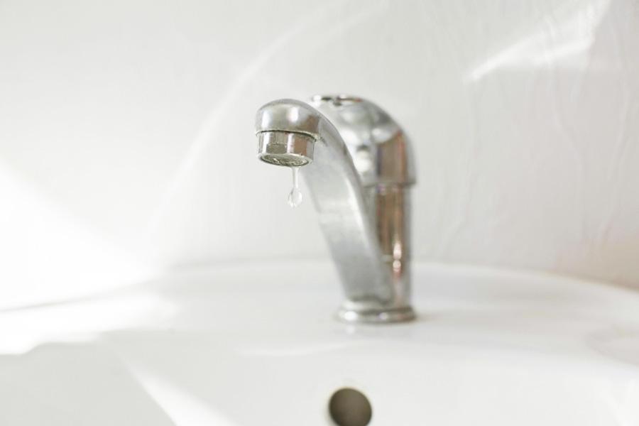 Principais motivos de desperdício de água e como evitá-los | Foto: Canva